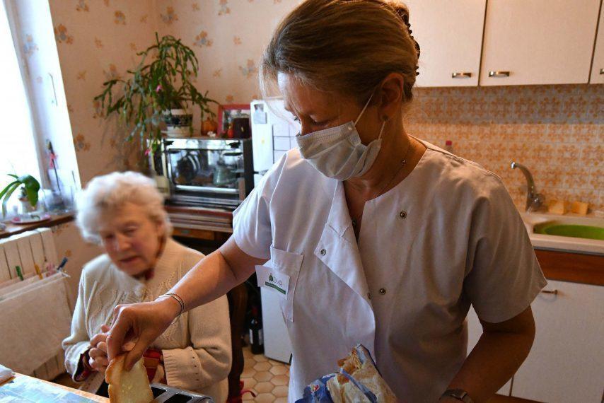 Rôles et responsabilités des professionnels des soins à domicile